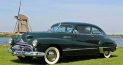 1948 Buick Roadmaster 76S Sedanet